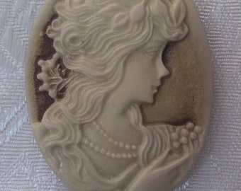 Lady Oval Cameo,Resin Antiqued Victorian Lady 28x37MM Two Pcs