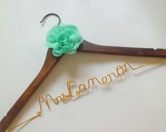 Personalized Bridal Wedding Hanger. Bridal Hanger. Bridal Party. Custome Hanger.