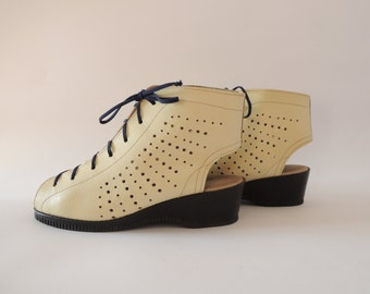 Vintage Leather Shoes/ Open Toe Lace Up Wedges/ Beige Leather Platform Shoes
