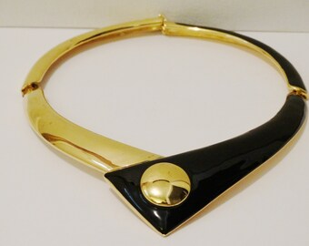 Free Shipping Vintage Monet Rare 133 grams V Choker Necklace.