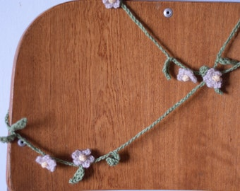Daisy Chain Garland Crochet Pattern