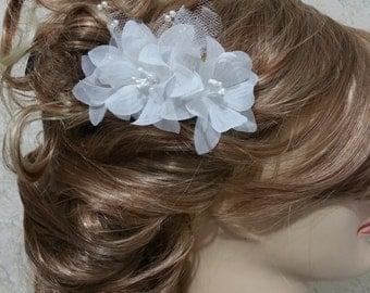 Bridal hair comb/ White