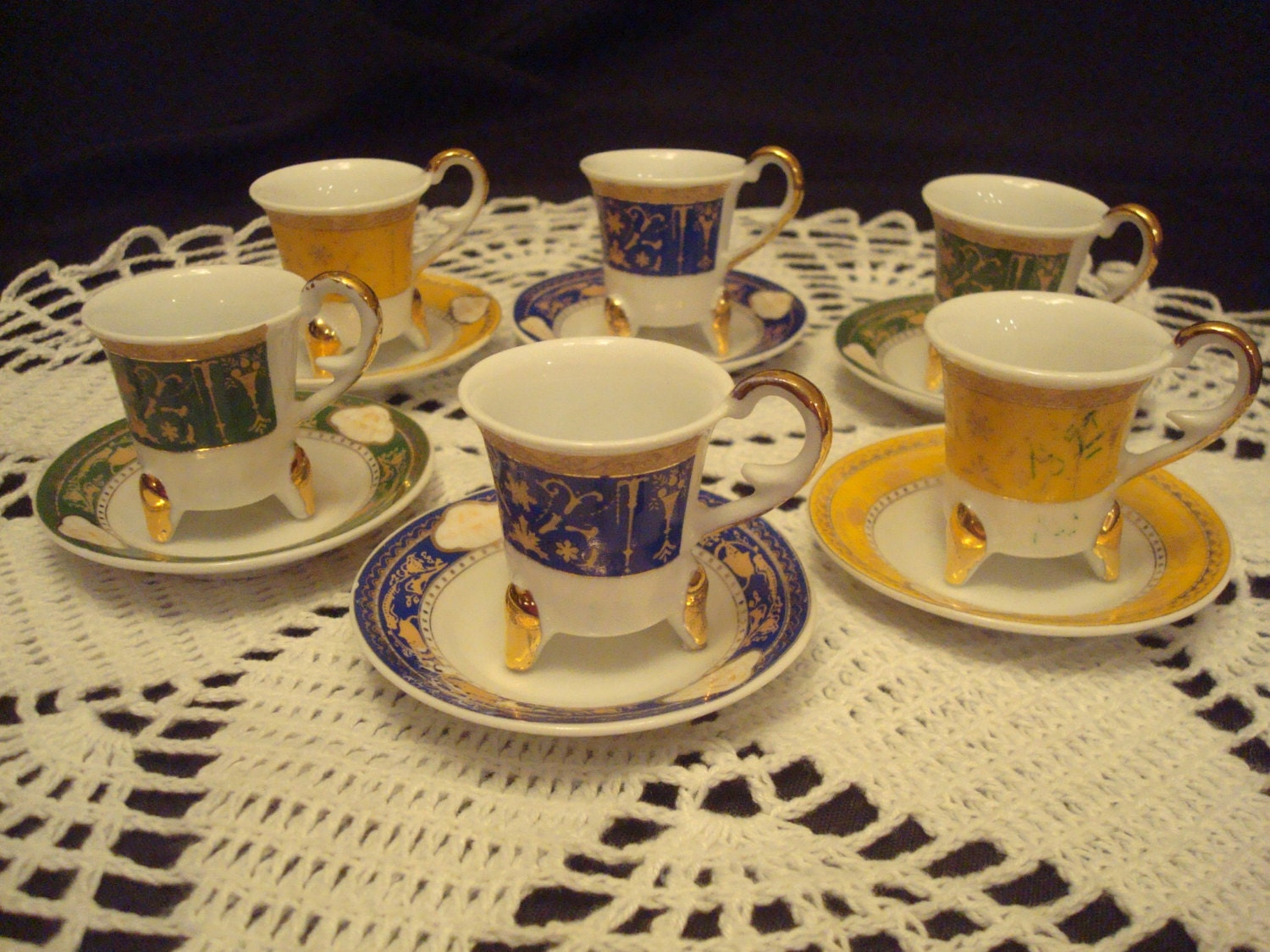 Beauty And The Beast Style Tea Set Includes Six Cups