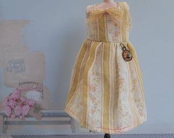 Romantic dress for blythe, pullip
