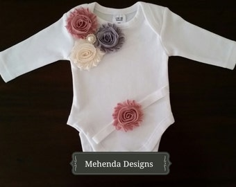 Baby girl onesie and headband set. Short sleeve onesie.Long sleeve onesie.Embellished onesie.Sizes 0000,000,00,0,1,2