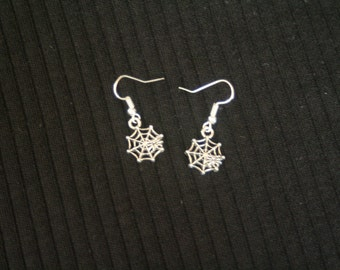 spider web dangle earrings-silver spider web earrings-spider web necklace