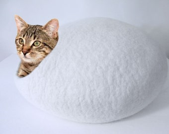Felted Wool cat cave in White, 100% natural eco friendly pet house, wool felted cat cocoon, cat bed, cat house