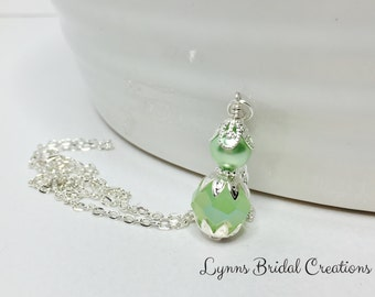 Mint Green Pendant Necklace Bridal Jewellry Green Crystal Necklace Green Pearl Wedding Jewellery Bridesmaid Gift Mother of the Bride
