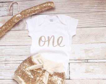 Gold Birthday Outfit, Baby Girl 1st Birthday Outfit, Gold Sequin shorts, baby sequin shorts, first birthday, glitter, gold shorts,