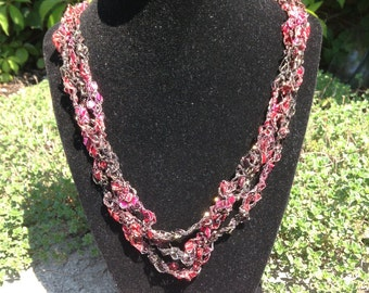 Hand Crocheted Necklace (Red/Pink)