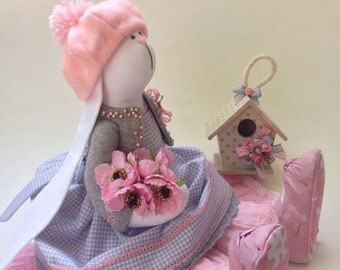 """Gentle Hare """"Pink Pearl"""" interior composition"""