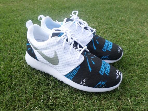 premium selection c9117 c3e0d Image is loading Nike-Roshe-One-Run-Custom-Black-Carolina