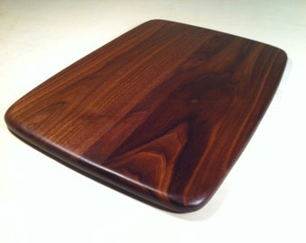 Medium Cutting Board with rounded edges