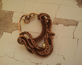 Copper pendant with pearls
