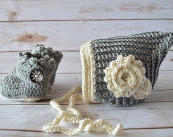 Crochet Baby Pixie Hat and Boots Set, crochet pixie hat, crochet baby boots, crochet baby set, crochet pixie hat