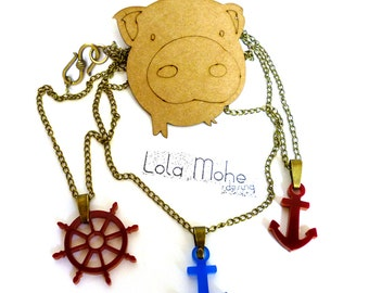 Rudder and anchor necklace methacrylate.