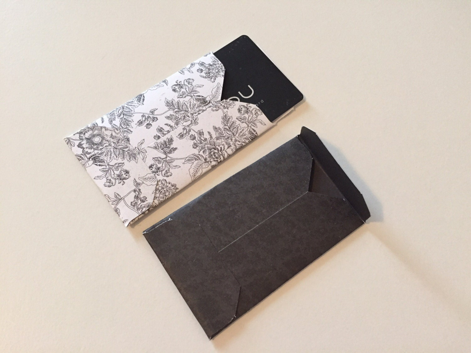 clearance sale    black and white gift card holders    gift