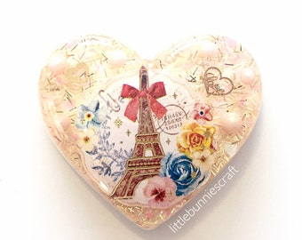 Kawaii Paris Eiffel Tower Vintage Resin Charm Keychain