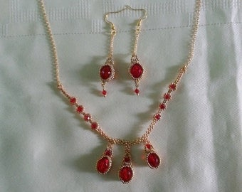 Beaded necklace with earring set