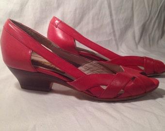 Vintage 1980's red Van Eli peep toe size 5 narrow
