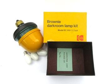 Kodak Brownie Darkroom Lamp Kit Model B, Vintage Kodak Camera Accessories, Yellow and Green Darkroom Bulbs Vintage Photo Develop Accessories