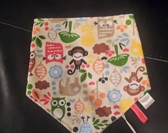 Henry&Minks dribble/bandana bib with silicone teething beads,