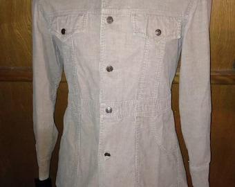 Vintage Levi's Tan Button Up Long Sleeved Jacket / Coat size Medium.