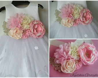 Flower sash belt.