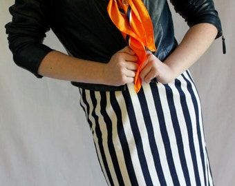 1980s striped pencil skirt / white and navy / A'hoy sailor!