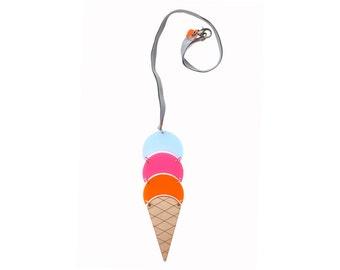 Cucurucho ice-cream necklace. Flavour blackberry, strawberry and orange necklace. Tutti frutti necklace.
