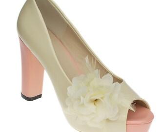 Freya Shoe Clips