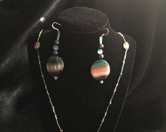 Glass beaded Necklace and disc earrings