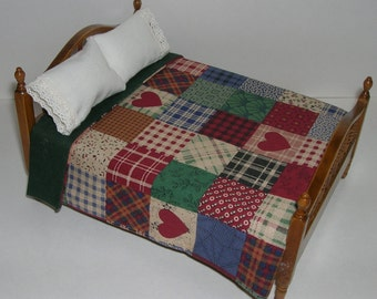 Free US Shipping! Miniature Country Patch Dollhouse Mini REVERSIBLE Bedspread and Pillows #6231