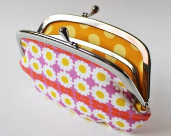Coin purse / wallet - daisies on pink white flowers floral yellow kiss lock clasp purse frame pouch retro floral daisy