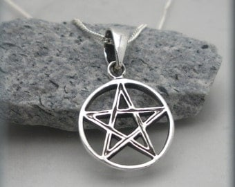 Tiny Pentagram Necklace, Sterling Silver, Pentacle Neklace, Pentagram Pendant, Wiccan, Spiritual Jewelry, Pentacle Pendant, Pagan (SN886)