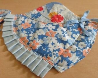vintage sun bonnet sue feedsack hot pads