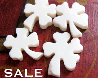 Vintage Hand Carved Bone - Four Leaf Clover Charms / Beads (4X) (NS559) SALE - 25% off