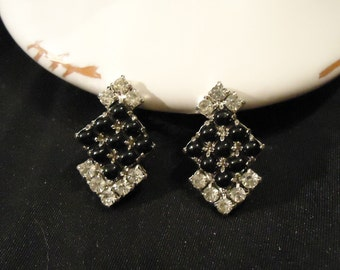 Black Clear Silver Rhinestones Earrings Screw Backs Crystals Diamond Shaped 1960's Vintage Costume Jewelry Accessories