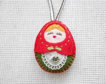 Felt Christmas Doll Ornament (Medium Size), Felt Russian Doll, Felt Matryoshka, Felt Christmas Ornament, Felt Doll Keychain