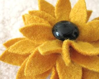 Black-Eyed Susan Flower Brooch - Recycled Sweater Wool Pin