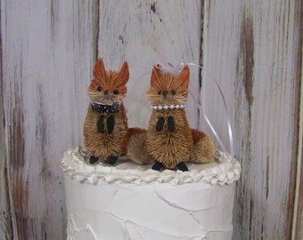 Wedding Cake Topper with Red Foxes, Animal Cake Topper,  Rustic Cake Topper, Bride and Groom Wedding Topper-Animal Cake Topper,