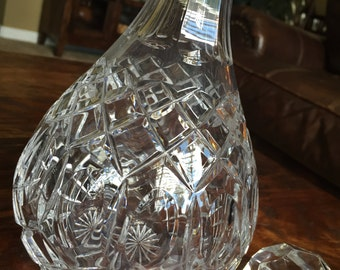Crystal Wine Decanter Criss Cross Cut Thumbprint Pattern with Stopper TYCAALAK