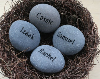 Personalized mothers nest - one set of nest with 4 custom engraved name stones in bird nest