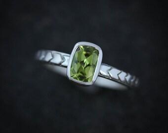 Cushion Peridot Ring, August Birthstone Jewelry, Peridot Jewelry with Geometric Band,  Bezel Gemstone Ring