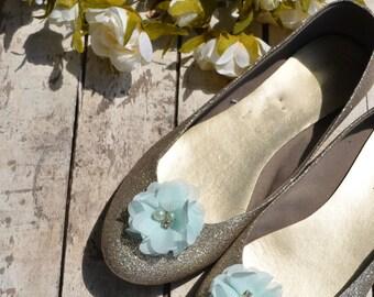 Flower Shoe Clips, Mint Seafoam Flower shoe clips, Aqua shoe clips, mint wedding shoe clips, rhinestone shoe clips, pearl