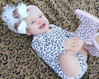 IVORY and CHEETAH over the top baby headband. baby accessory. baby girl bow. big bow baby. made to match bow.  birthday party bow. leopard.