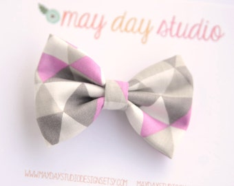 girls/toddler fabric boutique bow hair clip, grey and purple triangles alligator clip hair bow