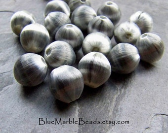 Silky Beads-Fiber Beads-Vintage Grey Silky Satin Fiber Thread Wrapped Lucite Round Beads-20 Beads