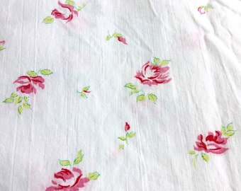 Vintage cotton sheet fabric - pink roses white background - Shabby and Cottage Chic
