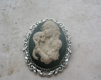 day of the dead lady brooch